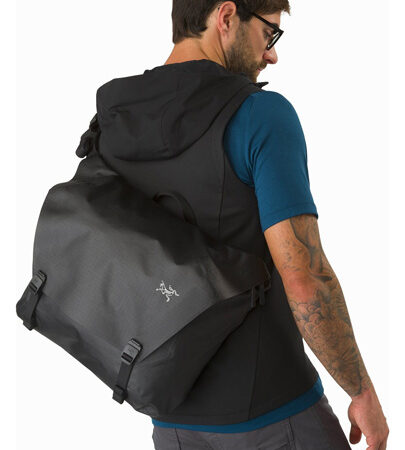 Granville-16-Courier-Bag-Black-Back-View